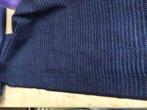 割縫いし方は袖付けへ印は生地の性質によって変える今回は織物なので袖丈に対して3mm詰まりやすいもの(柔らかものは+1.5mm入れてます)